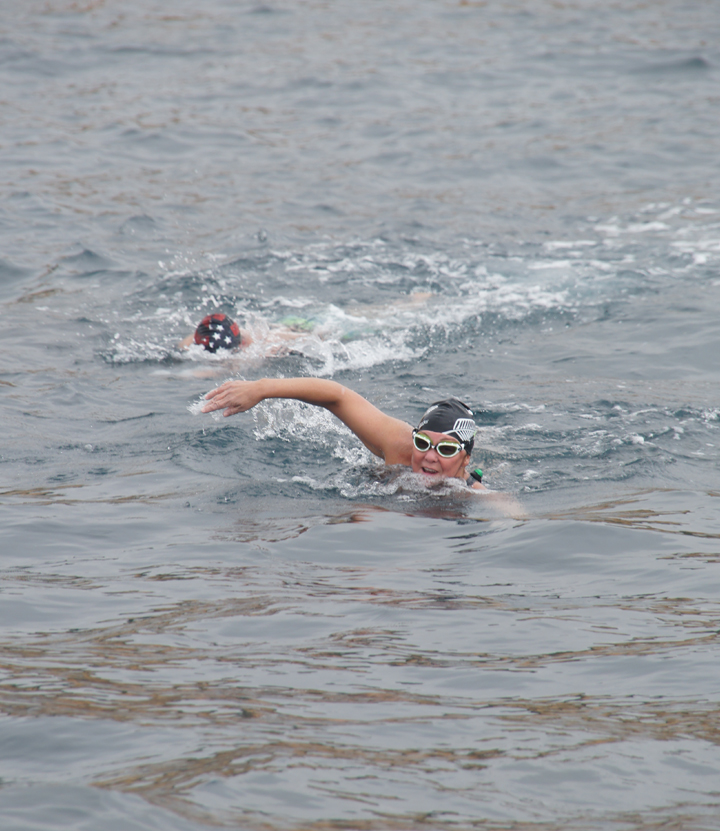 catalina-channel-swim-back-to-boat